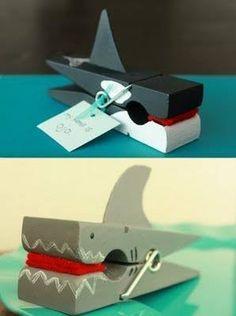 Walvisse en haaie! Prettig om te maak en oulik om te gebruik by kinderpartytjies om die plekname vas te hou!