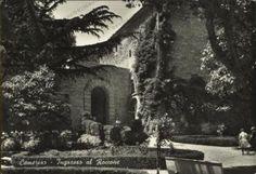 Camerino, giardini pubblici (ingresso al Roccone è scritto sulla cartolina), 1950-1960 circa.