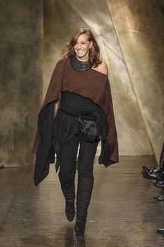 New York Fashion Week Outono 2013 – Donna Karan – Passion for Fashion – Brasil Donna Karan, Fashion Brands, Fashion Show, Runway Fashion, Fashion Designers, High Fashion, Thrift Fashion, Ladies Of London, Review Fashion