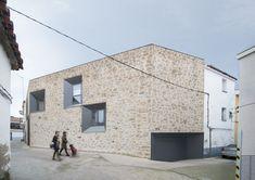 Peraleda House,Courtesy of Losada García