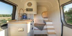 Wie ein Mann einen gewöhnlichen Van in ein mobiles Zuhause für seine ganze Familie verwandelte - Video