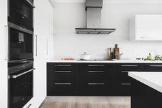 KÖKSLUCKA: Metro svartbetsad ek och Solid i vitt | Ballingslöv