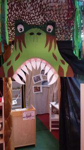 IMG-20160617-WA0006 Dinosaur Classroom, Preschool Classroom Decor, Classroom Themes, Class Decoration, School Decorations, Dinosaurs Preschool, Dinosaur Crafts, Camping Theme, Dinosaur Birthday