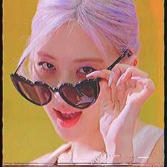 Kpop Girl Groups, Korean Girl Groups, Kpop Girls, Aesthetic Indie, Aesthetic Videos, Blackpink Jisoo, Blackpink Jennie, Hyuna Photoshoot, Foto Rose
