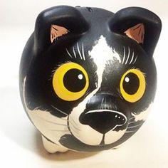 En @thepigfactory también pintamos a tu gatico! #artwork #piggybank #alcancía #ahorro #illustration #gift #paint #regaloperfecto #pig #marranito #pigs #pintura #design #piggy #diseño #estilo #cool #minipig #hechoamano #cali #calico #colombia #pet #cat #pets #catsofinstagram #cute #meow #alcanciaspersonalizadas #miau Wooden Piggy Bank, Personalized Piggy Bank, Cats And Kittens, Illustration, Photo And Video, Piggy Banks, Creative, Crafts, Instagram