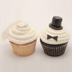 Wedding ceremony Bride and Groom cupcakes