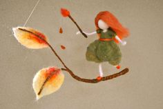 Autumn Fairy Waldorf inspirierte Nadel Filz Wand hängen: die Blätter malen