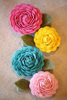 rick rack flowers...who knew?!