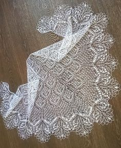 Discover thousands of images about Ravelry: Slow Foxtrot Shawl. Dance philosophy pattern by Galina Ivanova Lace Knitting Patterns, Shawl Patterns, Lace Patterns, Knitting Stitches, Hand Knitting, Finger Knitting, Knitting Machine, Gilet Crochet, Knitted Shawls