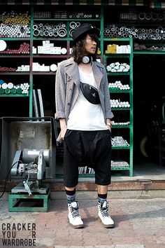 More Korean street style, from Cracker Your Wardrobe.