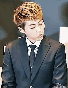 HOW CAN YOU CHANGE FROM A CUTIE TO A HOTIE IN JUST LITERALLY 0.00333 SECONDS KIM MINSEOK!!!!!!