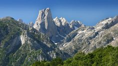 Naranjo de Bulnes. Parque Nacional Picos de Europa. Asturias, Cantabria y León. España.