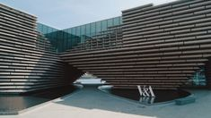 Completed in 2018 in Dundee, United Kingdom. Images by Hufton+Crow, Rapid Visual Media. Located along the waterfront in the city of Dundee in the northern part of Scotland, this museum is a branch of the Victoria & Albert Museum in. Peter Zumthor Architecture, Architecture Design, Dundee Waterfront, Precast Concrete Panels, Drone Filming, Kengo Kuma, Perspective Art, Ground Floor Plan, World Photography
