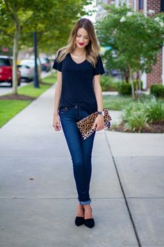 Taylor Morgan, Little Blonde Book Casual Party Outfit Night, Night Outfits, Cool Outfits, Casual Outfits, Denim Outfits, Leopard Print Outfits, Weekend Wear, Weekend Style, Casual Chic Style