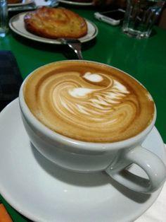 Tiong Bahru Bakery #tiongbahrubakery #coffee #caffeinefix #caffeine #swan #latteart #food #foodie