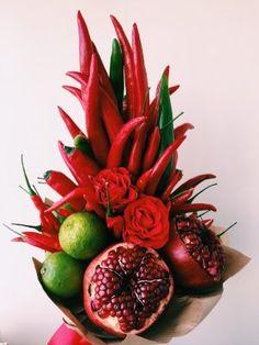 Food Bouquet, Diy Bouquet, Creative Flower Arrangements, Fruit Arrangements, Vegetable Bouquet, Thanksgiving Vegetables, Vegetable Design, Fruit Box, Food Wallpaper