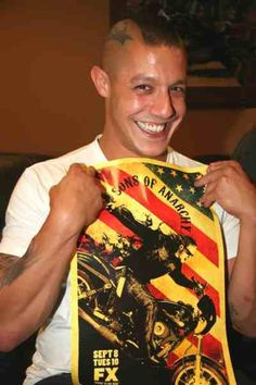 Theo Rossi // Juice // Sons Of Anarchy // That Face ... Hahahahaha!  Presh :)