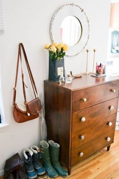 nyc apartment tour, hipster apartment, small one bedroom apartment, small space, boho apartment, boho decor, bohemian decor, bohemian apartmententryway