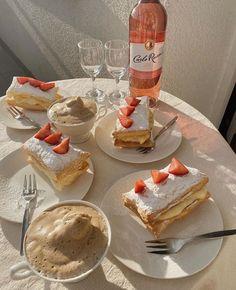 Think Food, I Love Food, Good Food, Yummy Food, Cute Desserts, Wine O Clock, Cafe Food, Snacks, Aesthetic Food