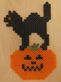 Feliz Halloween by ~Perler-Beads-S on deviantART