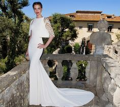 The short jacket of this gown is so beautiful. I think it would look lovely on a less formal dress too. The Elegance of Tarik Ediz Haute Couture 2015 White Evening Gowns, Evening Dresses, Formal Dresses, Best Designer Dresses, Designer Wedding Dresses, Glamour, Types Of Wedding Gowns, Wedding Guest Looks, Mermaid Prom Dresses