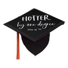 Quotes For Graduation Caps, Funny Graduation Caps, Graduation Cap Toppers, Graduation Cap Designs, Graduation Cap Decoration, Graduation Pictures, College Graduation, Graduation Ideas, Cap College