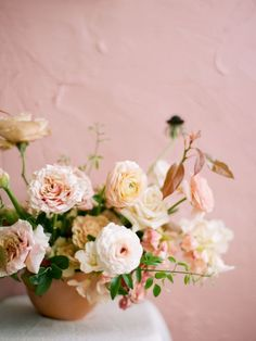 Trille Floral Workshop for Wedding florals – Sydney Fine Art Film Wedding Photography, Wedding Table Centerpieces, Wedding Reception Decorations, Floral Centerpieces, Floral Arrangements, Ikebana Arrangements, Table Wedding, Centrepieces, Flower Arrangement, Elegant Wedding