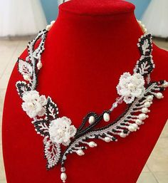 Beaded Jewelry Patterns, Beading Patterns, Seed Bead Necklace, Beaded Necklace, Decorative Beads, Murano Glass Beads, Bead Jewellery, Beaded Flowers, Bead Weaving