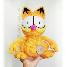 """Garfield Amigurumi & Nuigurumi Artist (@mirthamigurumis) en Instagram: """"Garfield, el gatito que odia los lunes 😀 Mirtha Amigurumis -tiernos muñecos de colección-…"""" #guayaquil #ecuador #crochet #quito #cuenca #amigurumi #garfield"""