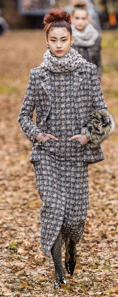 Chanel Fall-winter - Ready-to-Wear Fashion 2018, Fashion Week, Trendy Fashion, Winter Fashion, Womens Fashion, Fashion Trends, Latest Fashion, Mode Chanel, Chanel Style