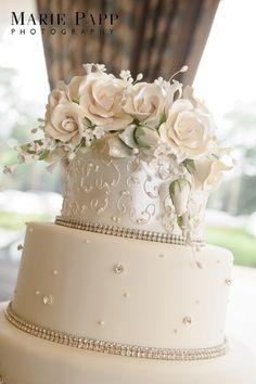 Elegant 3-Tier Wedding Cake