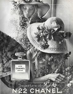Storytelling: High end makeup brands put a lot of effort in to their advertisements. Their words and rich imagery tell a story about the kind of people that may use their products. In this ad, the tag Perfume Vintage, Chanel Vintage, Vintage Gothic, Mode Vintage, Vintage Beauty, Vintage Ads, Perfume Chanel, Perfume Ad, Chanel Beauty