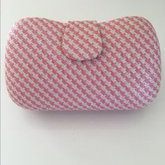 "Banana Republic pink and cream straw clutch Perfect for spring and summer. This clutch is in like new condition. There are a couple marks inside from storing things but it is overall really clean. Magnetic closure. 8.5"" long, 5.5"" tall 3"" wide at the base. Lots of room inside for a phone, makeup, etc. No fraying or damage to the outside. Banana Republic Bags Clutches & Wristlets"