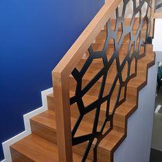 Home Stairs Design, Stair Railing Design, House Stairs, Home Decor Inspiration, Cos, Diy Ideas, Interior Design, Furniture, Dark Wooden Floor