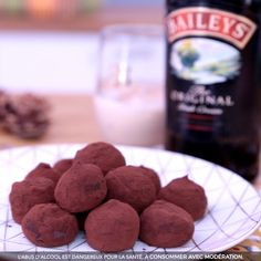 Truffes au Chocolat - New ideas Easy Cake Recipes, Sweet Recipes, Dog Food Recipes, Cookie Recipes, Cheap Clean Eating, Clean Eating Snacks, Köstliche Desserts, Delicious Desserts, Food Porn