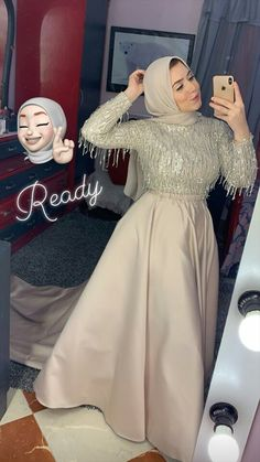 Simple Bridesmaid Dresses, Prom Dresses With Sleeves, Black Prom Dresses, Bridal Dresses, Girls Dresses, Hijab Dress Party, Hijab Evening Dress, Hijabi Gowns, Mode Abaya