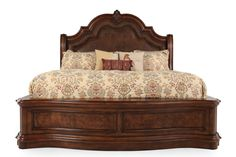 Traditional Arched Sleigh Bed in Brown Pulaski Furniture, Bedroom Furniture, Sleigh Beds, My Room, Accent Decor, Brothers Furniture, New Homes, Queen, Bedroom Organization