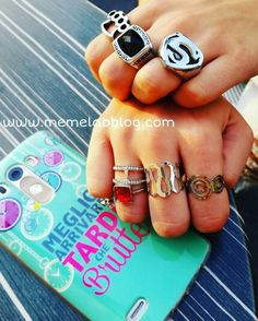 Meglio arrivare tardi che brutte ⏰✌ Con la nuova collezione anelli www.memelabblog.com
