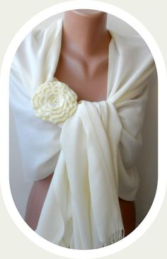 Bridesmaid pashmina shawls Ivory pashmina shawl by elegancescarf