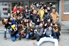 Alumnos de Grado en Diseño Multimedia y Gráfico de ESNE, Escuela Universitaria de Diseño e Innovación de Madrid, en la clase de Comunicación Audiovisual