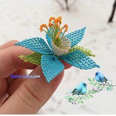 @meryemce_isler #salontakımı #yatakodasıtakımı #igneoyasimodelleri #sunum #elemeği #göznuru #ceyizlik #havlu #mutfakhavlusu #namazörtüsü… Diy Flowers, Crochet Flowers, Diy Arts And Crafts, Diy Crafts, Needle Lace, Baby Knitting Patterns, Textiles, Elsa, Needlework