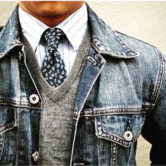 Denim meets business casual. Have you been experimenting with denim lately? What's your favorite way to pair it?  #Repost @mcdstc #denim #jeanjacket #casual #weekendwardobe #vneck #besavvy #bedapper #gentemansbox #gboxstyle  #saturdaystyle