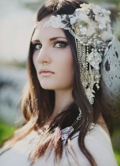 amazing DIY bridal headpiece, photo by Jessica Janae Photography