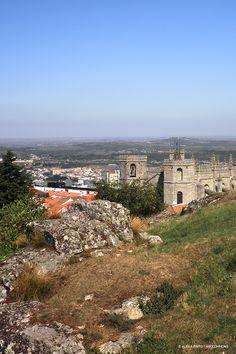 A 1056 metros de altitude, respire fundo e parta à descoberta da cidade mais alta de Portugal. Esperamos por si, na Guarda!  #viaverde #viagensevantagens #Portugal #centro #serradaestrela