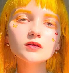 The Effective Pictures We Offer You About Makeup Art inspiration A quality picture can tell you many things. Aesthetic People, Aesthetic Girl, Makeup Inspiration, Character Inspiration, Foto Face, Art Visage, Pink Lila, Photographie Portrait Inspiration, Grunge Hair