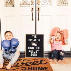 Sibling Baby Announcements, 3rd Pregnancy Announcement, Baby Announcement Pictures, Funny Pregnancy, Pregnancy Signs, Baby Puree, Baby Toys, Bnf, Expecting Baby