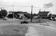 Photo of Thundersley, Weir Roundabout Sea Pictures, History Photos, Old London, Local History, Old Photos, Places Ive Been, Past, England, Street View