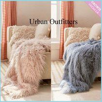 【Urban Outfitters】ふわふわファーブランケット♪2色