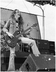 Cliff Metallica Concert, Metallica Black, Jason Newsted, Cliff Burton, Robert Trujillo, Kirk Hammett, Famous Musicians, Power Metal, Heavy Metal Music
