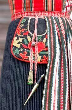 FolkCostume&Embroidery: Kjolsäcken, Loose Pockets of Leksand, Dalarna, Sweden
